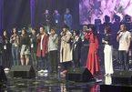 Dân Triều Tiên phấn khích xem nghệ sĩ Hàn Quốc biểu diễn