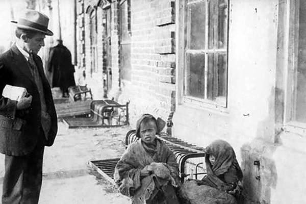 Bí ẩn chiến dịch cứu đói hàng triệu người Nga của Mỹ