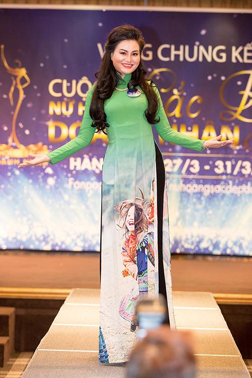 Trần Huyền Nhung đăng quang Nữ hoàng sắc đẹp doanh nhân 2018