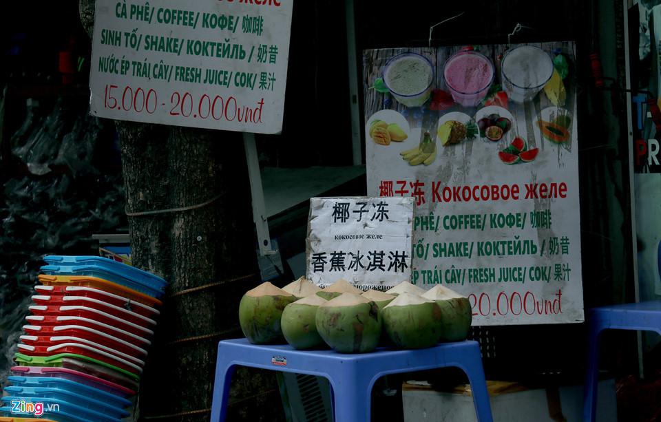 'Đến Nha Trang mà ngỡ như đang ở phố Tàu, nước Nga'