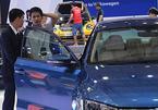 Ô tô ế nặng: Chưa vội mua xe, chờ giảm giá mạnh hơn