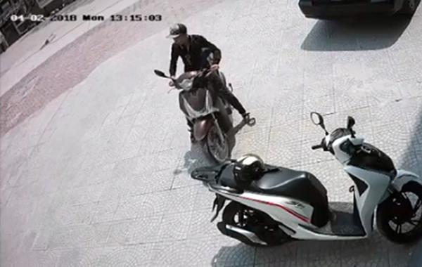 Tên trộm chỉ mất 2 giây bẻ khóa chiếc SH150