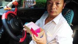Tài xế taxi tìm thấy con gái mất tích sau 24 năm