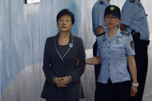 Hàn Quốc truyền hình trực tiếp vụ xử nữ cựu tổng thống