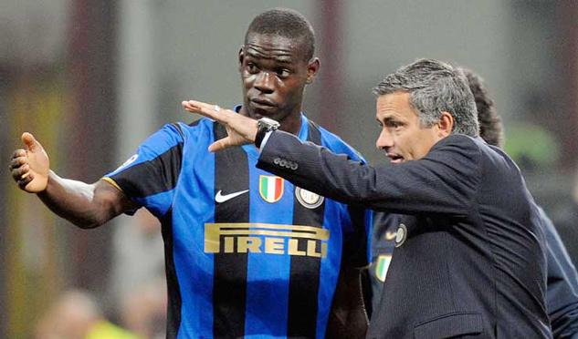 MU bất ngờ rước 'ông kễnh' Balotelli, Real đánh úp Umtiti