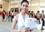 Mỹ nhân chuyển giới Thái khoe 'bảo bối' miễn nghĩa vụ quân sự