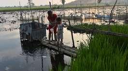 'Nhà vệ sinh lộ thiên' ở Việt Nam dưới ống kính nhiếp ảnh gia Mỹ