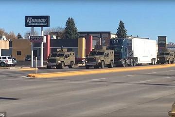 Xem hộ tống đầu đạn hạt nhân trên đường cao tốc Mỹ