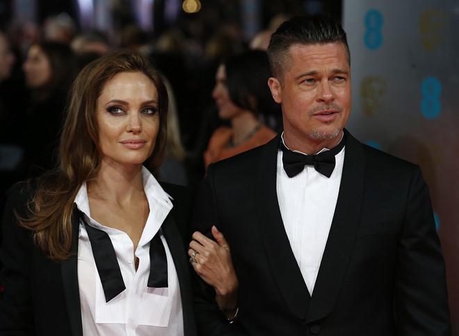 Brad Pitt và Angelina Jolie chính thức ly hôn