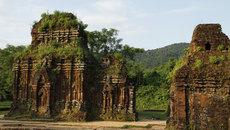 Dịch văn bia tại Mỹ Sơn sang tiếng Việt và Anh
