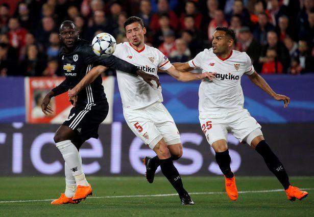 Chelsea 'thanh trừng' 9 ông sao, MU cướp hậu vệ Napoli