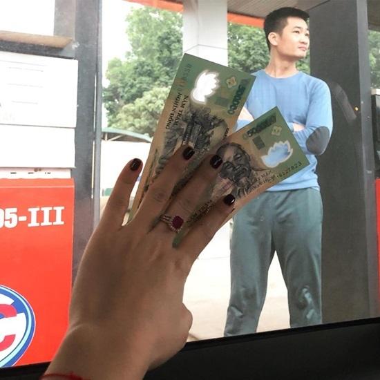Phía sau chuyện chồng Hoa khôi Thu Hương chuyển tiền cho tài xế cứu người