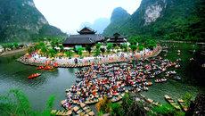 1050 diễn viên trình diễn trong Lễ hội Tràng An