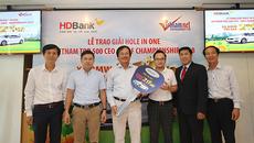 VietNamNet và HDBank trao giải Hole in one trị giá 2 tỷ đồng
