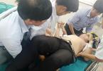 Thầy giáo bị học sinh lớp 12 đâm vào bụng