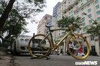 Chiếc xe đạp mạ vàng độc nhất Việt Nam: Ra giá cả tỷ đồng không bán
