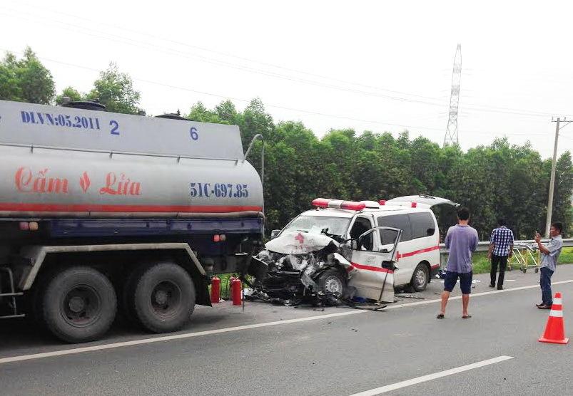 tai nạn,tại nạn giao thông,xe cứu thương,cao tốc Long Thành,tai nạn trên cao tốc
