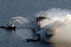 Ngày này năm xưa: Thế giới sốc trước tai nạn đường thủy kép thảm khốc