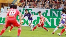 V-League: Chuyện về mặt sân ruộng cày và giấc mơ... Ngoại hạng