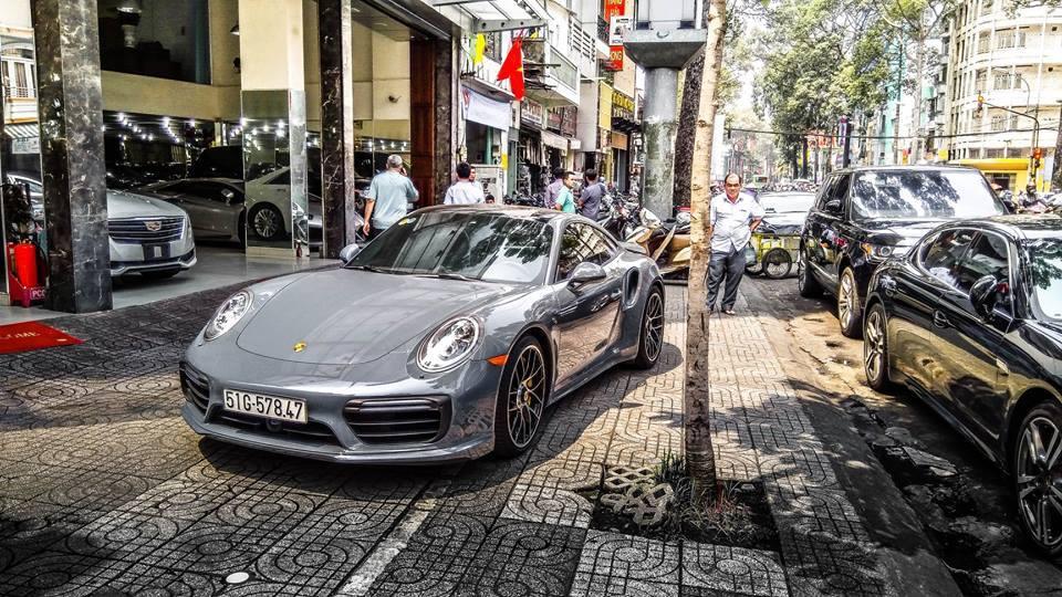 Đặng Lê Nguyên Vũ tậu Porsche 13 tỷ, Cường Đôla sắm BMW 3 tỷ