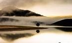 Nam thanh niên đeo balo đá trầm mình xuống hồ tự vẫn