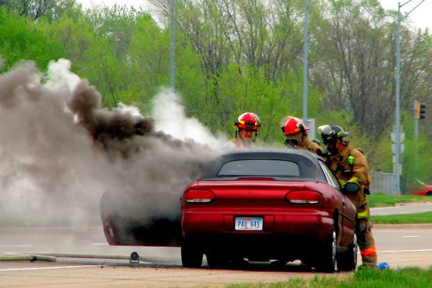kỹ năng lái xe,nguyên nhân cháy xe,cháy xe,cháy ô tô,động cơ ô tô,bảo dưỡng ô tô