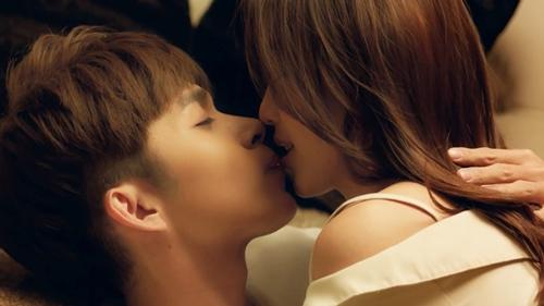 100 ngày bên em kissing scene