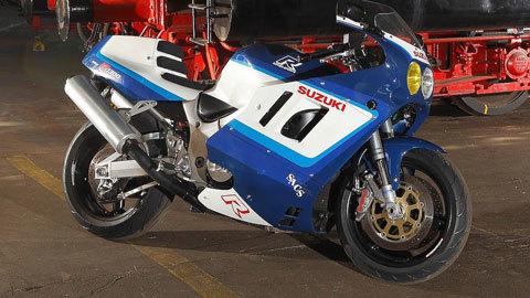 """Xe độ Suzuki GSX-R1100 được """"mod"""" ngược từ Suzuki Hayabusa"""