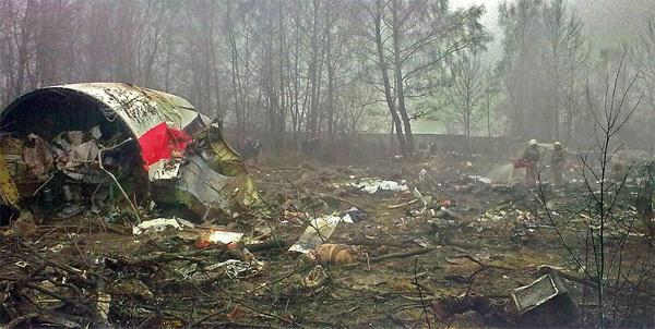 Ngày này năm xưa: Máy bay chở Tổng thống Ba Lan nổ tung