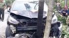 Xế hộp đối đầu xe máy, cả 2 cùng bốc cháy