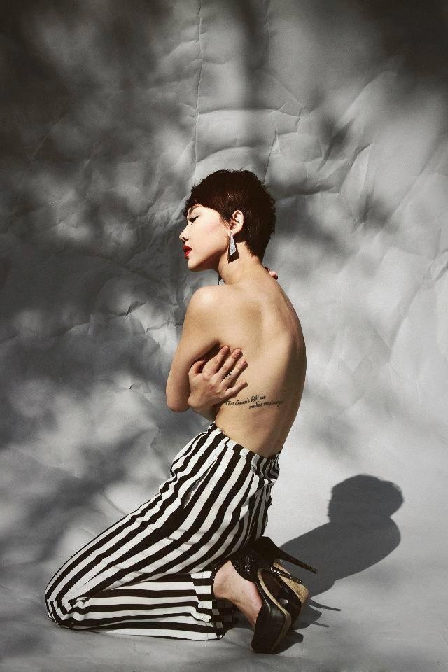 Đường cong nóng bỏng 'đốt mắt' người xem của Tóc Tiên
