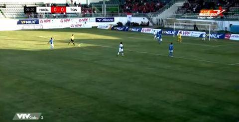 HAGL 1-0 Than Quảng Ninh: Văn Toàn mở tỷ số