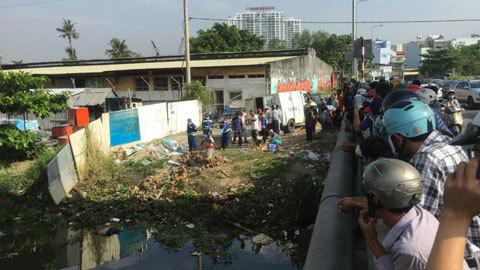Nam thanh niên khuyết tật nhảy cầu tự vẫn ở Sài Gòn
