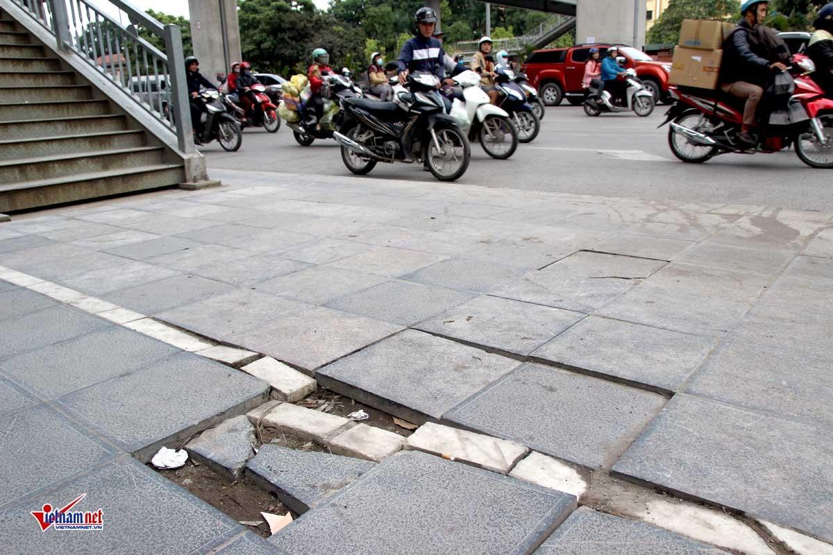 Sai phạm đủ kiểu trong lát đá vỉa hè, Hà Nội cho ra quy trình mới