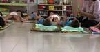 Cô giáo mầm non ở trường trung tâm Sài Gòn đánh mắng trẻ trong giờ ngủ