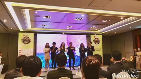 MC Minh Xù biểu diễn tại họp báo Nhạc hội song ca