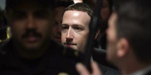 """CEO Facebook: """"Chúng tôi lưu trữ tất cả dữ liệu nhưng không phạm luật"""""""