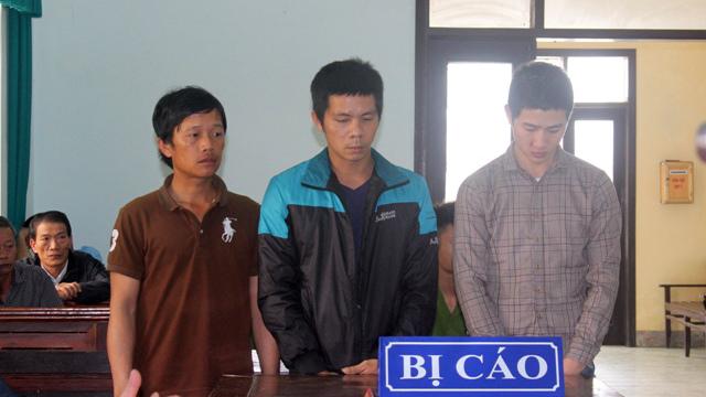 Kết đắng cho 3 kẻ hành hung bác sĩ trước phòng cấp cứu