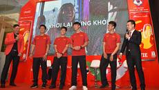 Sao U23 Việt Nam đọ vẻ đẹp trai với diễn viên Bình Minh