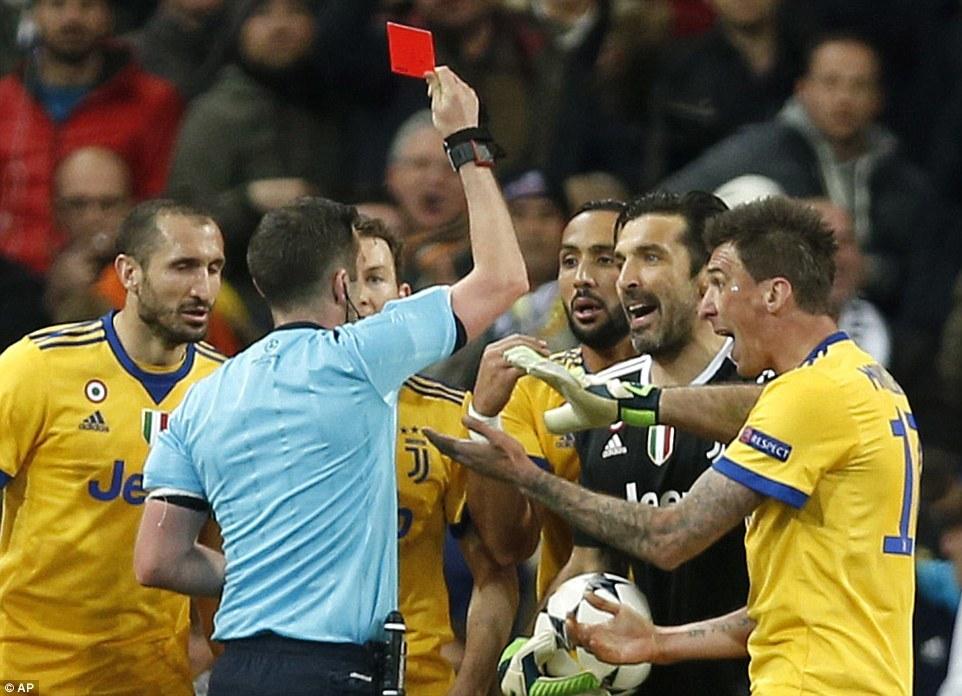 Cận cảnh những thước phim kịch tính trận Real vs Juventus