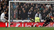Ronaldo đưa Real vào bán kết kịch tính như phim hành động