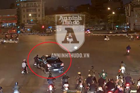 Video toàn cảnh vụ kéo lê người ở Ô Chợ Dừa