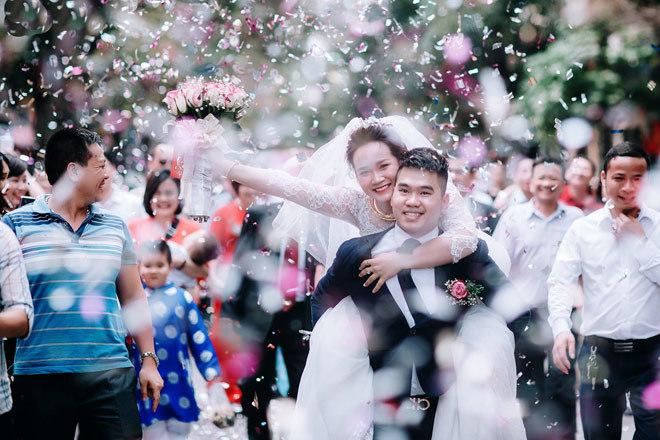 8 năm yêu anh hàng xóm, cô gái được đón dâu theo cách không giống ai