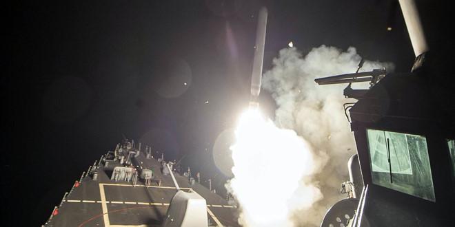 """Tấn công Syria: """"Hòn bấc ném đi hòn chì ném lại'"""