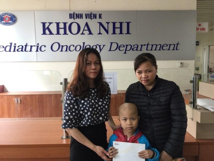 hoàn cảnh khó khăn,từ thiện VietNamNet,bệnh hiểm nghèo,trao tiền bạn đọc
