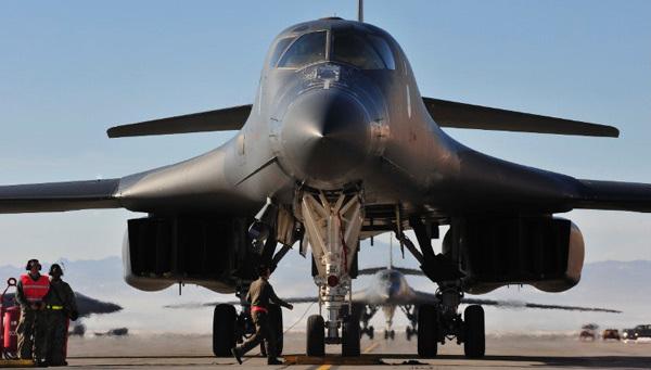 Loạt vũ khí có thể lập tức tấn công Syria theo lệnh ông Trump