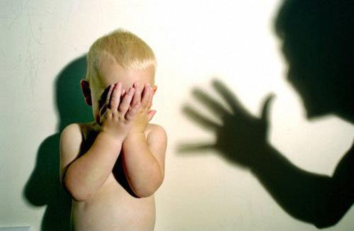 tư vấn pháp luật,luật hình sự,đánh đập trẻ em,luật trẻ em
