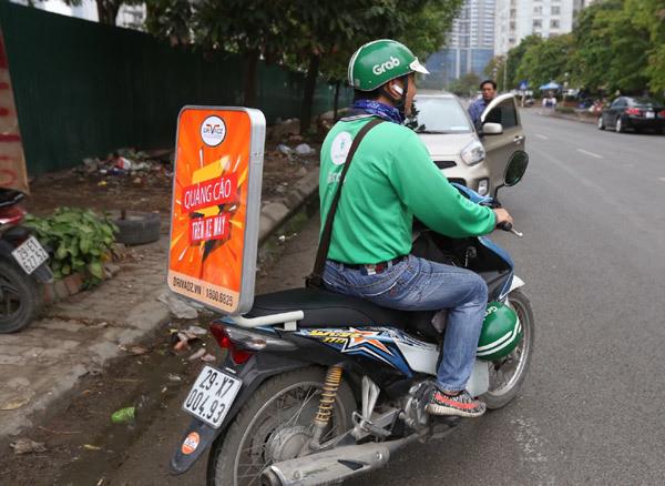 Không chạy xe ôm vẫn kiếm thêm nhờ xe máy