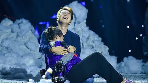 Ngọc Sơn rơi nước mắt trước phần thi của Trần Vũ