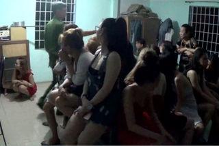 137 người bị tạm giữ trong quán bar ở Sài Gòn